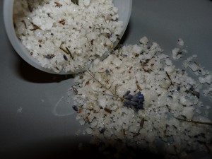 How to make bath salts - lavender salt recipe