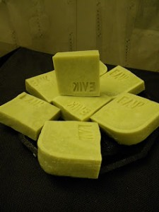Making 100% olive oil soap - tips, tricks and why it should be avoided by beginners